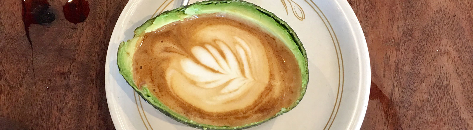 Kaffee in Avocado