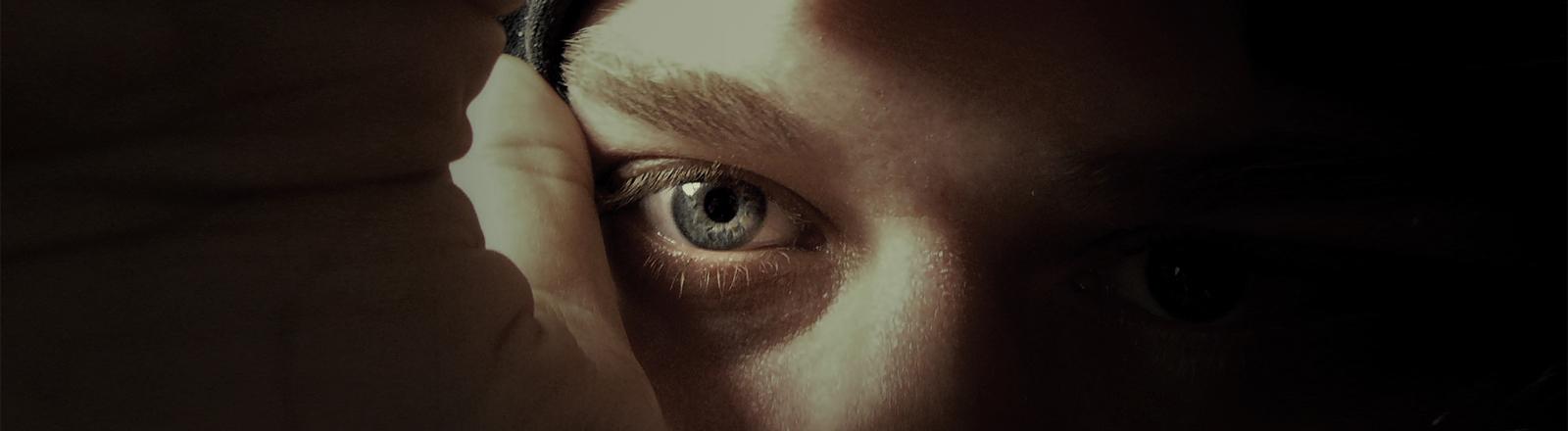 Böser Blick. Stalking