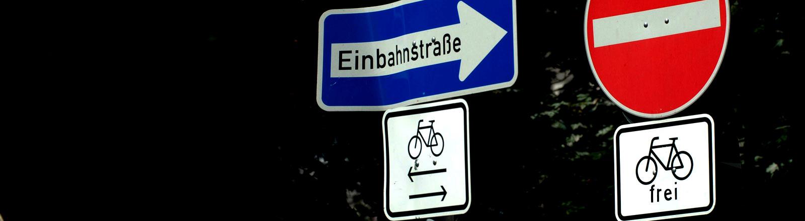 Einbahnstraße für Fahrradfahrer geöffnet