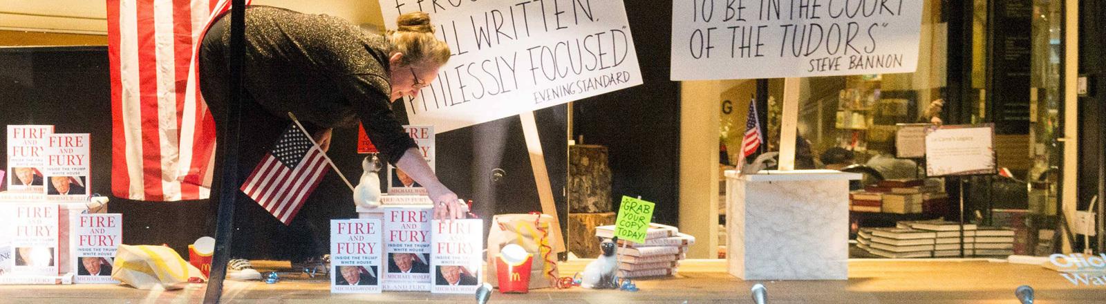 """Ein Buchladen verkauft das neue Trump-Buch """"Fire and Fury""""."""