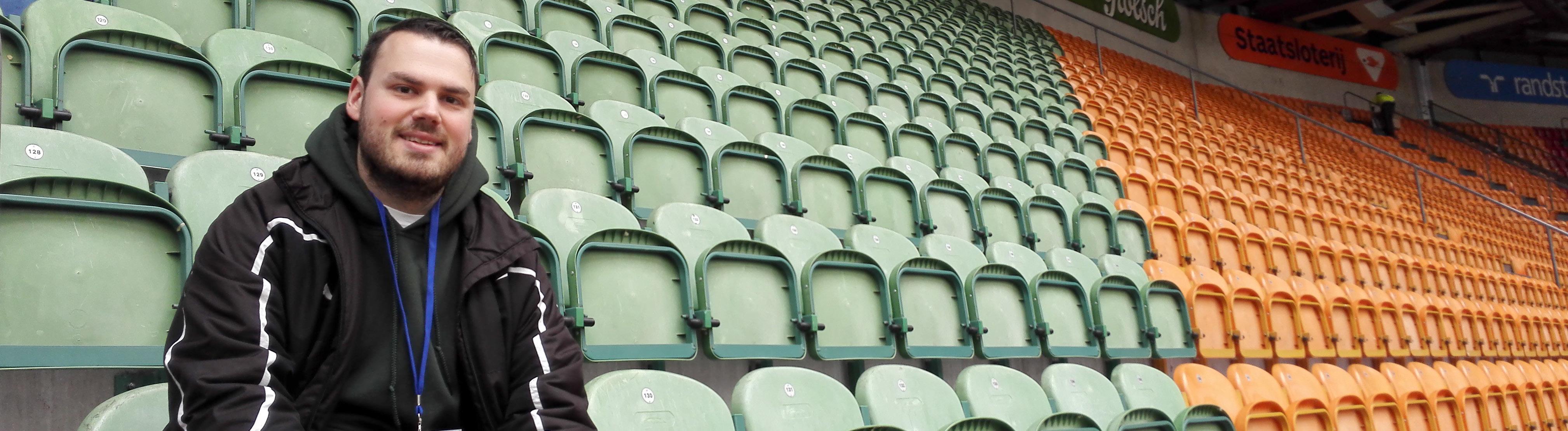 Groundhopping: Tobias Frey in einem Fußballstadion.