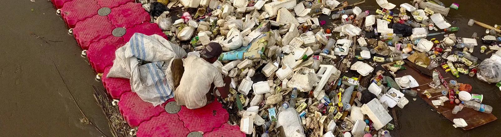 Der indonesische Fluss Citarum gilt als einer der schmutzigsten der Welt.