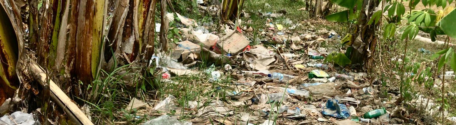 Müll auf Bali.