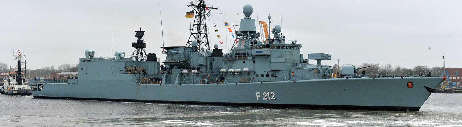 Fregatte Karlsruhe soll bei Bundeswehrsprengtests zum Einsatz kommen.