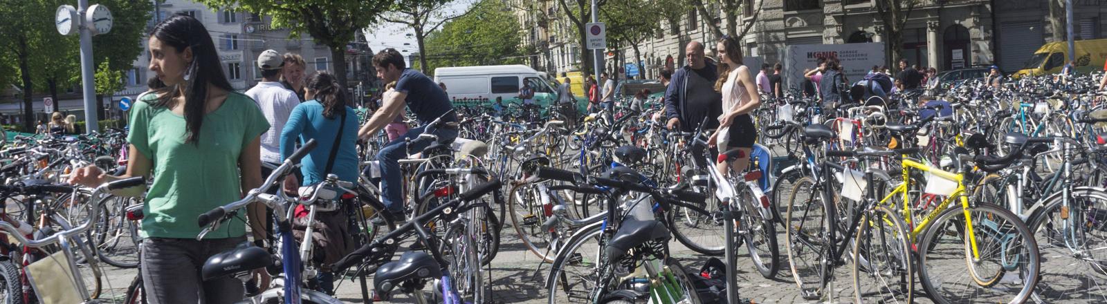 Ein Gebraucht-Fahrradmarkt.