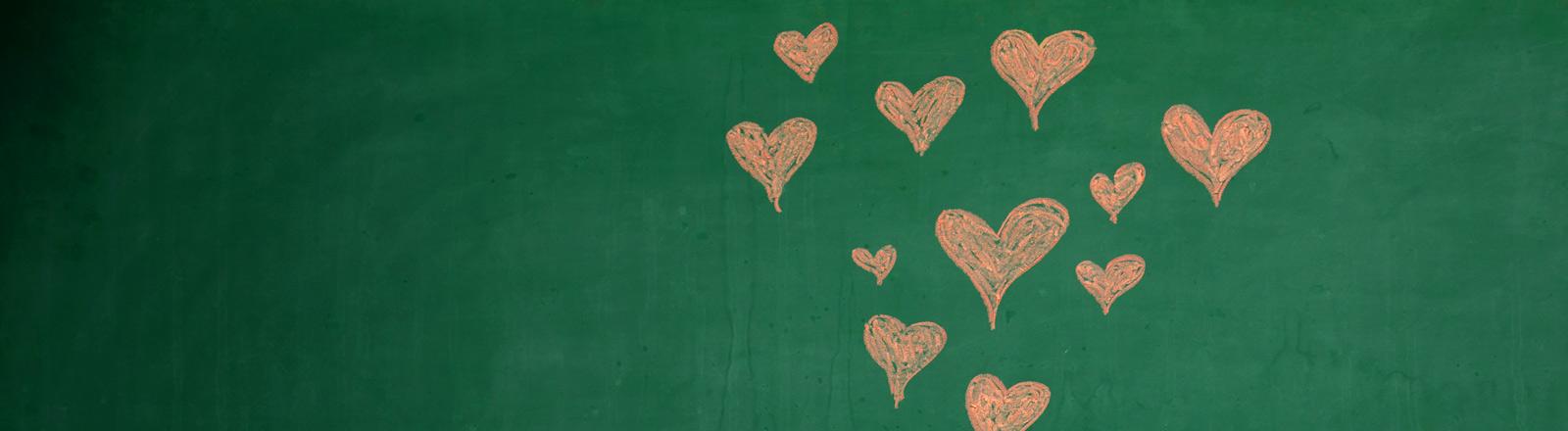 Eine Tafel mit Herzchen