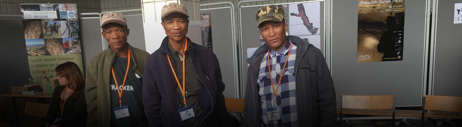 Drei San-Jäger aus Namibia