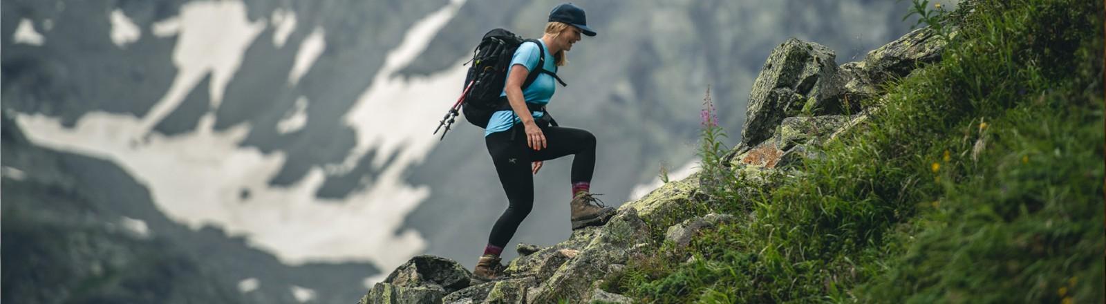 Kaddie Kestler beim Wandern in den Bergen