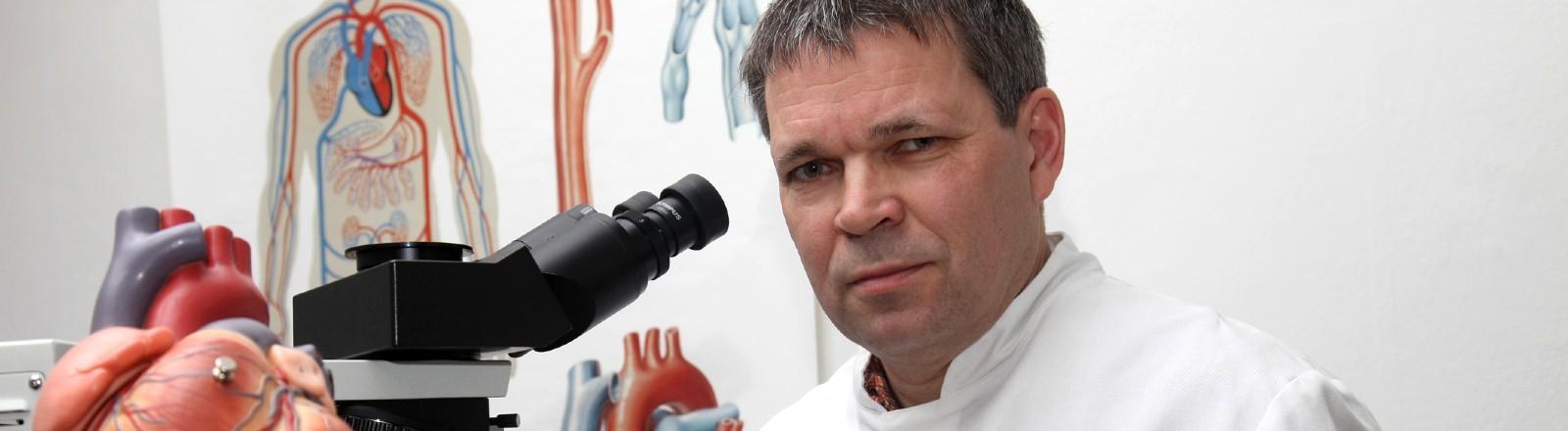 Professor Dr. med. Fred Zack, Institut für Rechtsmedizin in Rostock