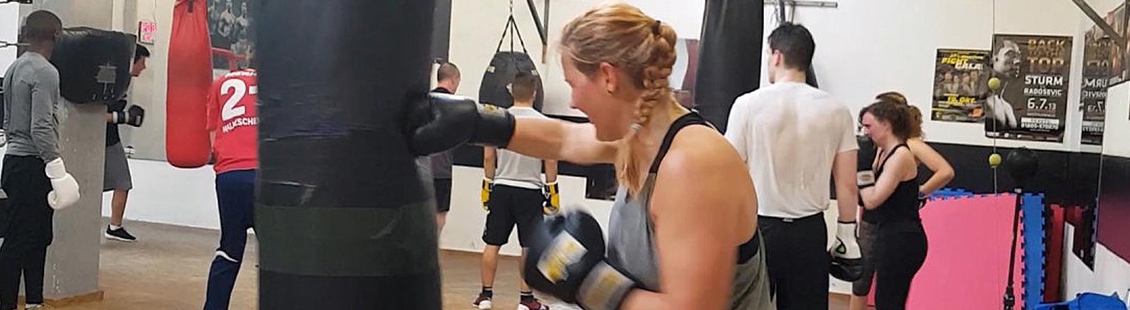 Caro Köhler beim Boxtrainig