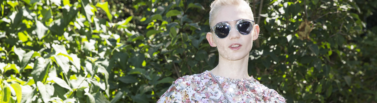 Grimes bei der der Fashion Week Paris
