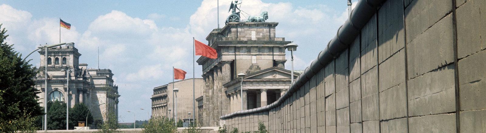 Westberlin Brandenburger Tor Reichstag Berliner Mauer 1961