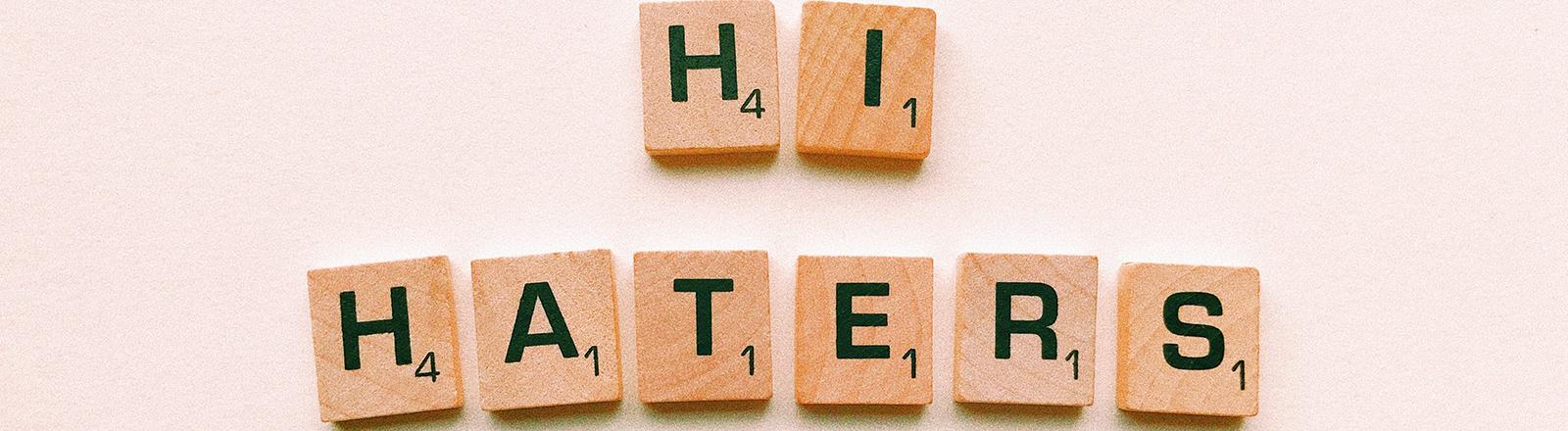 Symbolbild: schöne Grüße an alle Hater