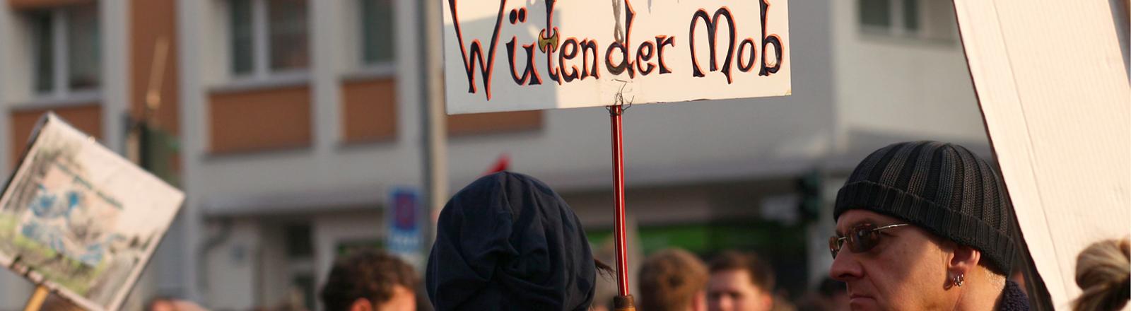 Menschen auf einer Demo