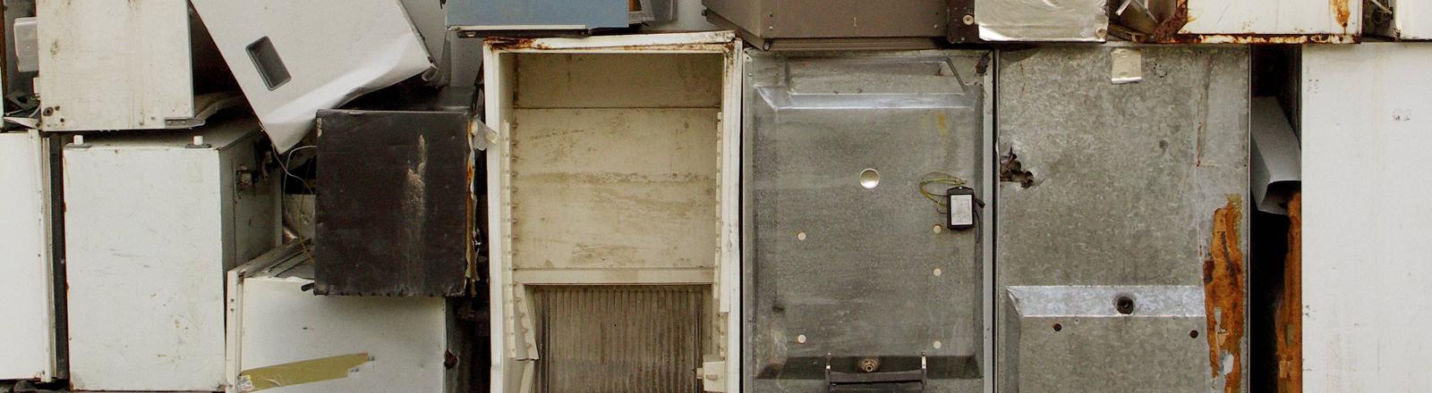 Alte Kühlschränke