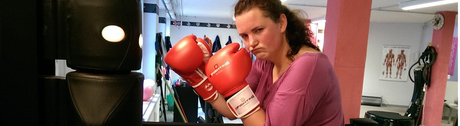 Lena Breuer beim E-Fighting