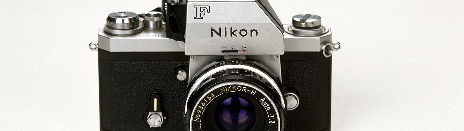 Eine Nikon F Photomich Kamera aus den 60-er Jahren, aufgenommen im Dezember 1999 in Helsinki.Fotograf:Pekka Sakki, Quelle:Lehtikuva_Oy
