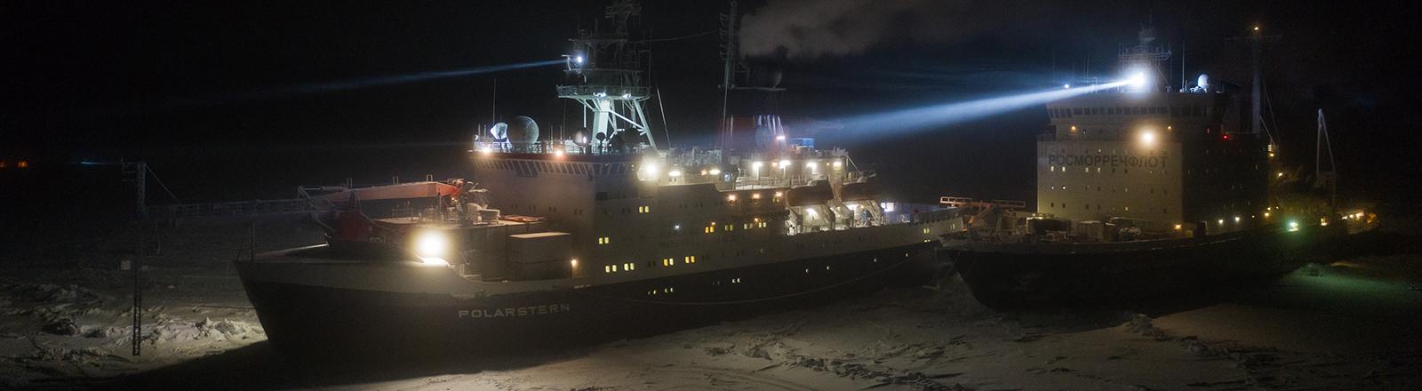Polarstern und der Eisbrecher Dranitsyn im Dezember 2019