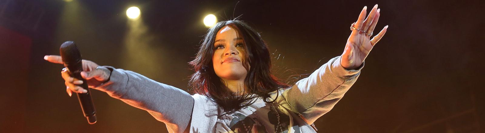 Rihanna bei einem Auftritt White River State Park in Indianapolis, Indiana, USA