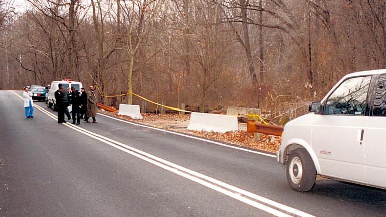 Polizei sichert den Fundort der Leiche im Leakin Park in Baltimore 1999
