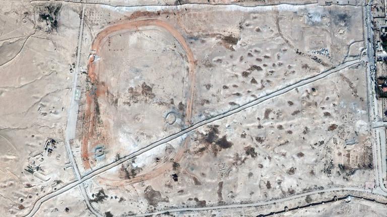 Die Grabstätte in der Nähe von Palmyra ist während des Bürgerkriegs für militärische Zwecke ausgebeutet und zerstört worden (2014).