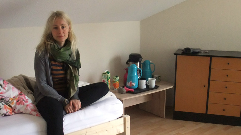 Deutschlandfunk-Nova-Reporterin Franziska Felber nach ihrem Selbstversuch im Dunkel-Retreat.