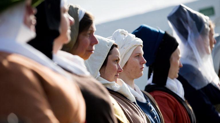 Vor der Prozession durch die Stadt wird zu Ehren von König Richard III. die Schlacht von Bosworth nachgestellt, bei der er getötet wurde.
