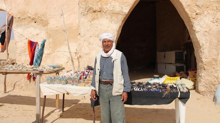 Souvenirhändler Salem Ben Said in Mos Espa leidet unter dem Tourismusmangel