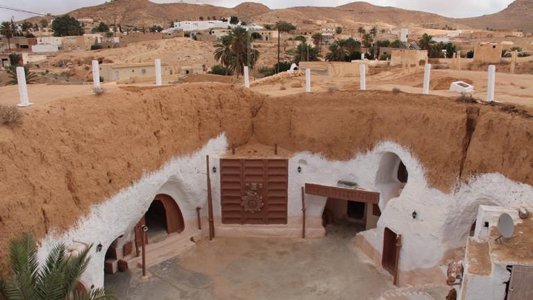 Das Hotel Sidi Driss ist in den Boden gebaut.
