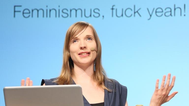 """Die Initiatorin der Kampagne """"#Aufschrei"""", Anne Wizorek"""", spricht bei der Internetkonferenz Re:publica am 08.05.2013 in Berlin."""