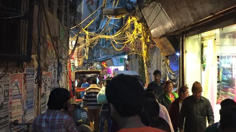 Das Gassengewirr von Old Delhi. Der historische Teil ist ein einziger Basar…