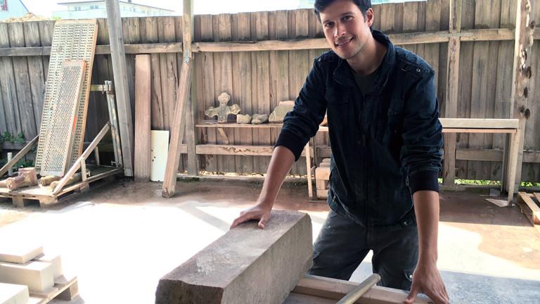 Dominik Speidel auf der Kirchturm-Baustelle in Freiburg.