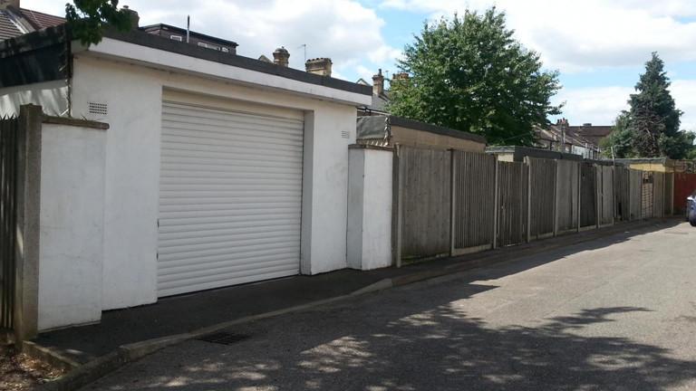 London: informelles Wohnen in Garagen und Hinterhöfen · Dlf Nova