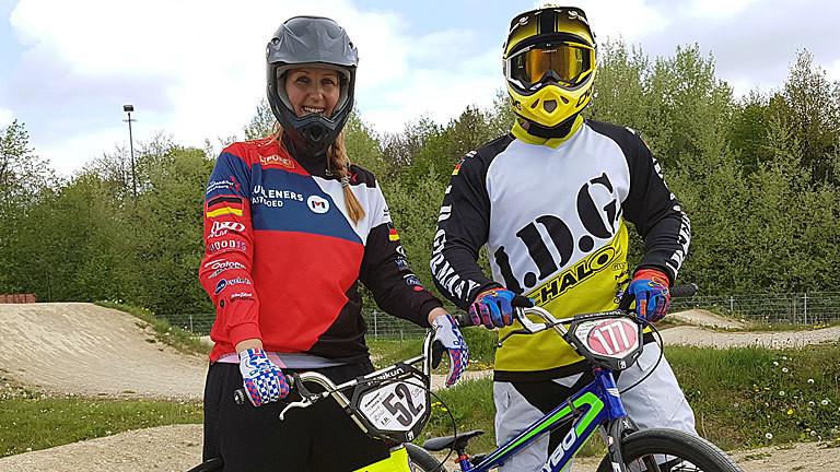 Caro Köhler fährt BMX.