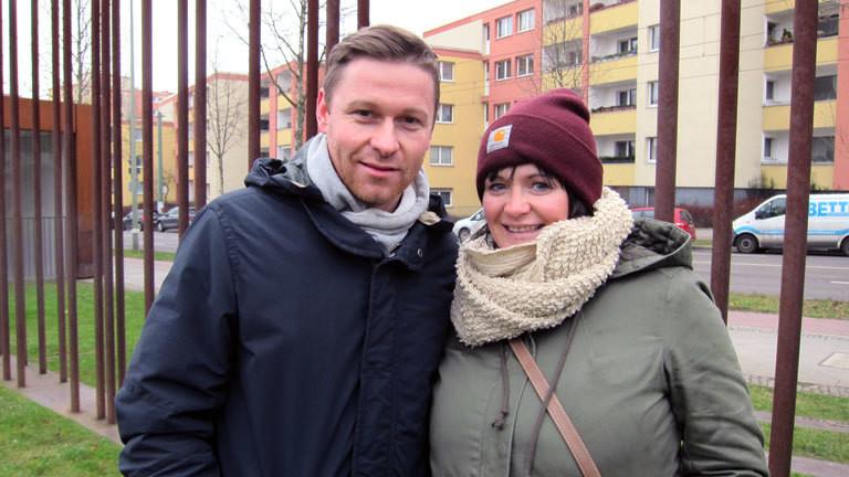 Nicole und David an der Gedenkstätte Bernauer Straße