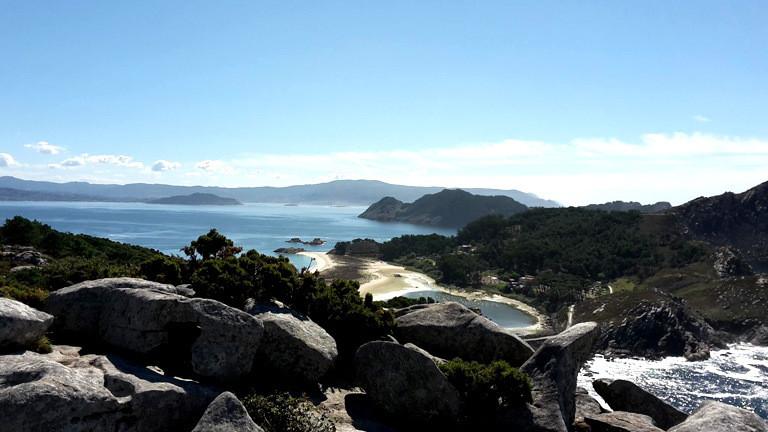 Blick auf die Islas Cies, vorgelagert vor der galizischen Stadt Vigo.