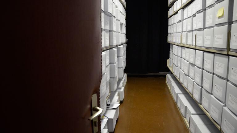 Die S-Sammlung ist heute in einem Außendepot der Staatlichen Museen zu Berlin in Friedrichshagen untergebracht. Nach Übernahme von der Charite 2011 wurden die Schädel zunächst aufwändig gereinigt, konservatorisch behandelt und dann mit allen vorhandenen Informationen erfasst. Sie werden heute in säurefreien Archivschachteln unter würdigen Bedingungen verwahrt.