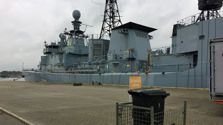 Die ausgemusterte Fregatte Karlsruhe soll zu Testzwecken in der Ostsee angesprengt werden