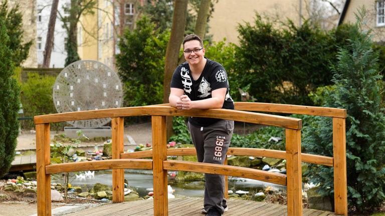 Lukas ist einer von rund 480.000 Young Carern in Deutschland.