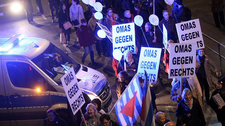 Protestbewegung 'Omas gegen Rechts'
