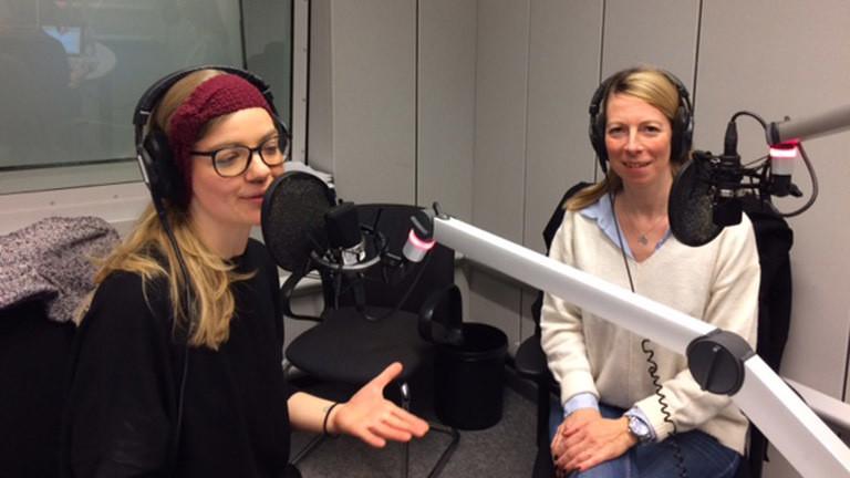 Sprechtrainerin Ien Svea Bäumler im Gespräch mit Deutschlandfunk-Nova-Moderatorin Jenni Gärtner.