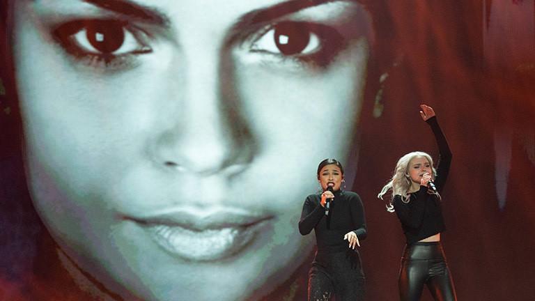 """Das Pop-Duo """"Sisters"""" bestehend aus den Sängerinnen Laura Kästel und Carlotta Truman treten in Israel mit dem deutschen Song """"Sister"""" im Wettbeweb zum ESC 2019 an."""