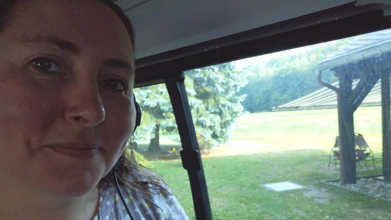 Tina Howard mit dem Deutschlandfunk-Nova-Mobil – unterwegs durch Sachsen