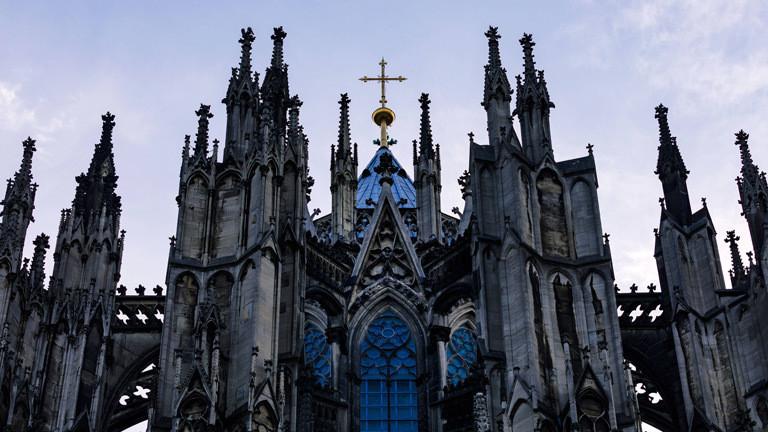 Reiche Kirchen: Wohin die Kirchensteuer fließt
