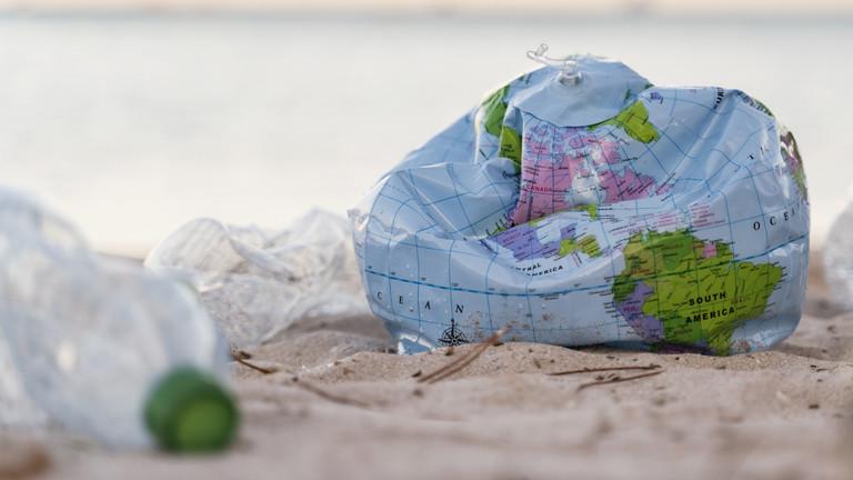 """Umweltexperte: """"Wir machen andere Länder zu unserer Müllkippe"""""""