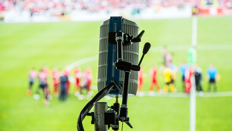 180 Grad Kamera vor Fußballfeld