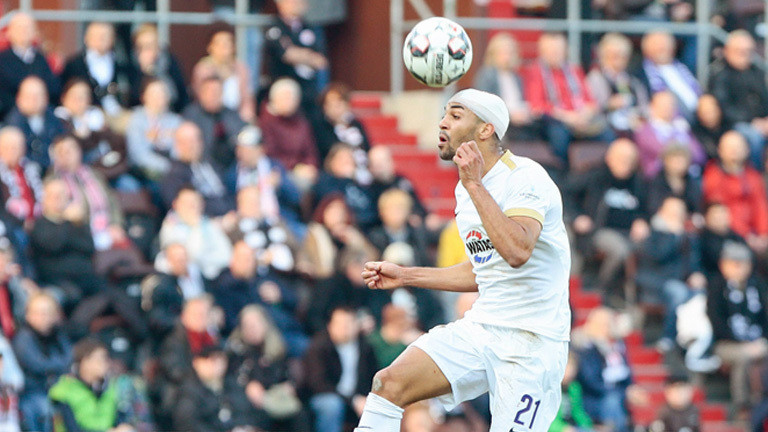 Zu viele Fußballer spielen mit Kopfverletzung weiter