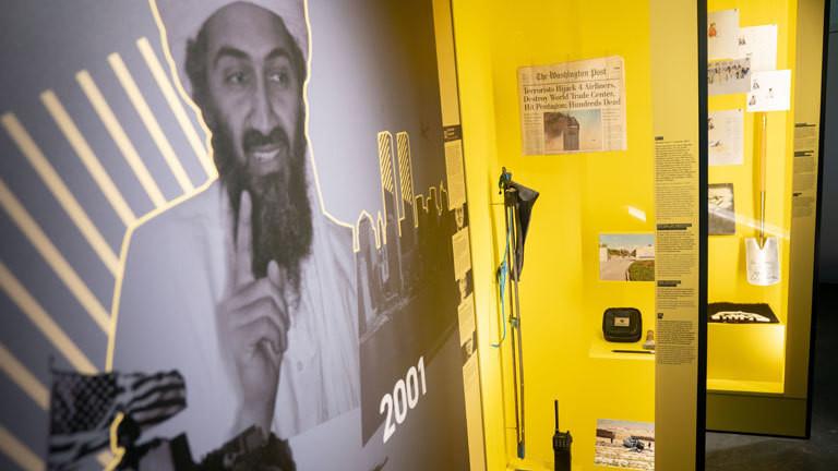 Eine Sprengfalle in der Ausstellung des neuen Besucherzentrums des Bundesnachrichtendienstes.