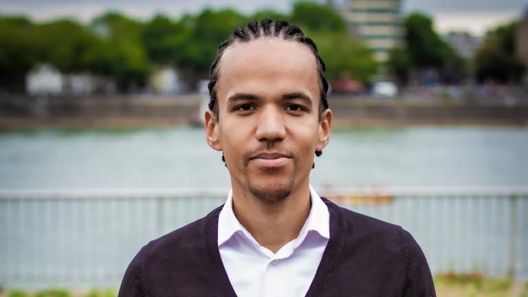 Anwalt bietet kostenlose Hilfe bei Rassismus-Fällen
