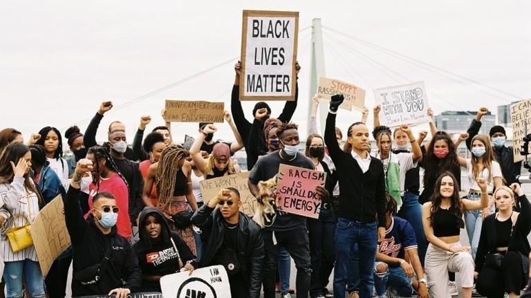 Blaise Francis El Mourabit privat bei einer Blacklivesmatter-Demo
